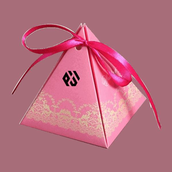 1 9 - Pyramid Boxes